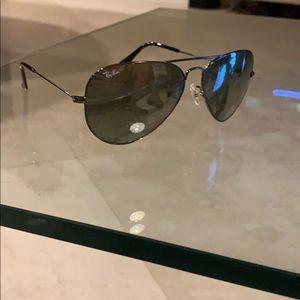 Ray Ban Sunglasses. Unisex